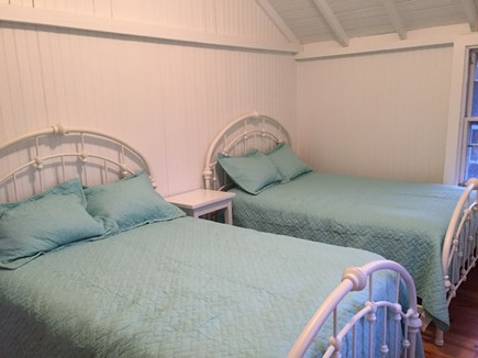 Oak Bluffs Martha's Vineyard vacation rental - Back  bedroom with 2 full size beds