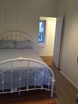 Oak Bluffs Martha's Vineyard vacation rental - Small middle back bedroom full bed
