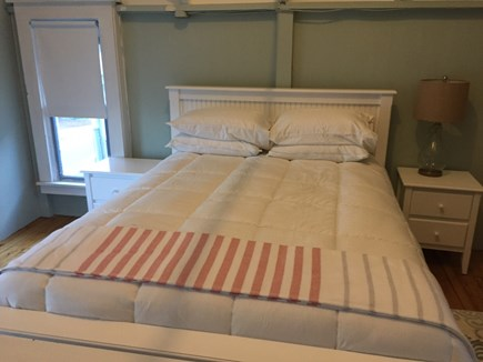 Oak Bluffs Martha's Vineyard vacation rental - Master Queen bed & end tables