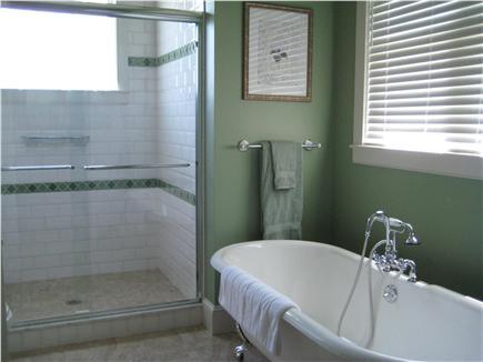Edgartown Martha's Vineyard vacation rental - Master bath with dual pedestal sinks