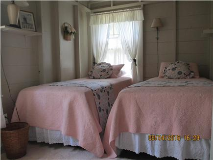 Oak Bluffs, East Chop Martha's Vineyard vacation rental - Two twin beds in south-facing bedroom off of dining room.
