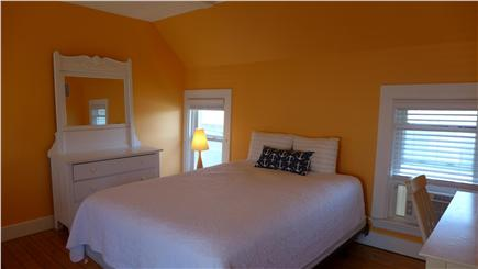 Oak Bluffs Martha's Vineyard vacation rental - 2nd floor  Queen orange bedroom