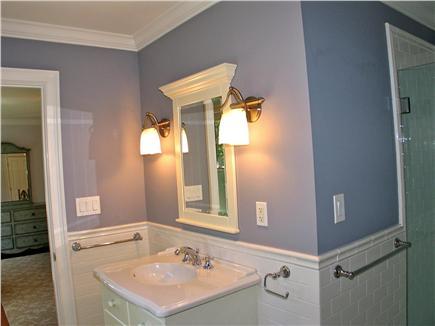 Vineyard Haven, Tisbury Martha's Vineyard vacation rental - En suite bath for 4th bedroom