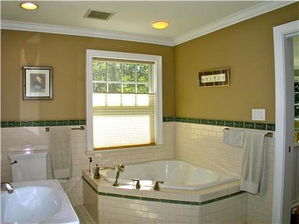 Vineyard Haven, Tisbury Martha's Vineyard vacation rental - Large jetted tub in master bath