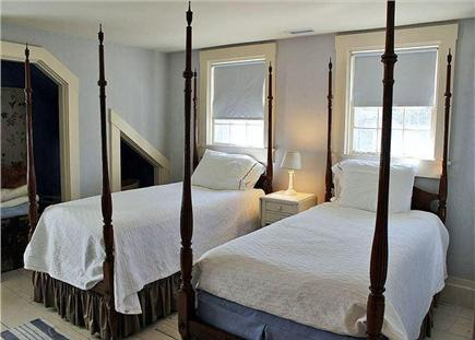 Edgartown Martha's Vineyard vacation rental - Twin bedroom on the second floor