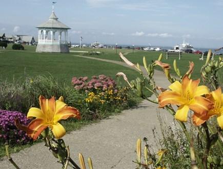 Oak Bluffs Martha's Vineyard vacation rental - Beautiful Ocean Park is just block from your condo