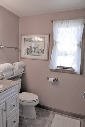 Oak Bluffs Martha's Vineyard vacation rental - Upper level bathroom