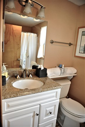 Oak Bluffs Martha's Vineyard vacation rental - 2nd Floor Bathroom