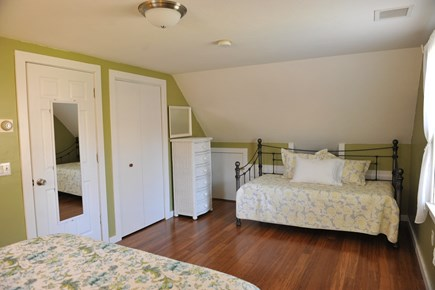 Oak Bluffs Martha's Vineyard vacation rental - Bedroom 4 - Day Bed plus a pull out twin mattress