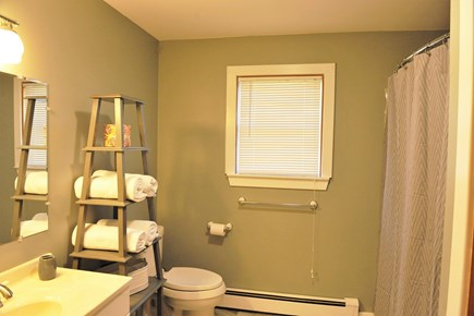 Oak Bluffs Martha's Vineyard vacation rental - Bathroom 1 - 1st floor