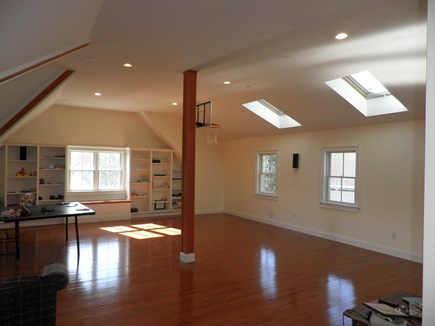 Vineyard Haven Martha's Vineyard vacation rental - Bonus room above garage; 1 Queen, 1 Double & 1 Twin