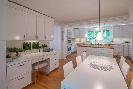 Vineyard Haven Martha's Vineyard vacation rental - Eat in Kitchen