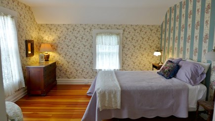 Vineyard Haven Martha's Vineyard vacation rental - Queen Master Suite