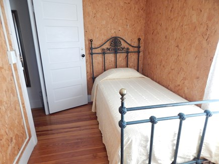 Oak Bluffs Martha's Vineyard vacation rental - Second Floor Twin Bed