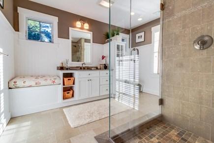 Oak Bluffs Martha's Vineyard vacation rental - This home has 2 luxurious full baths and a half bath