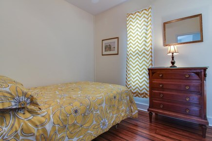 Oak Bluffs Martha's Vineyard vacation rental - On the 1st floor, you'll find a bedroom with a cozy double bed