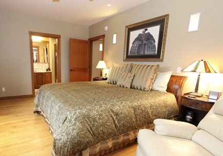 Oak Bluffs Martha's Vineyard vacation rental - Large Master En Suite Suite with King Size Bed - Main House