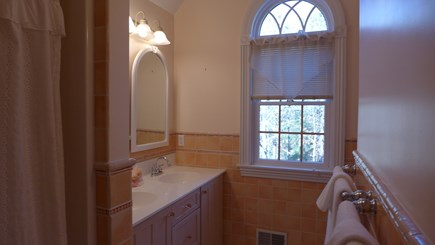 Vineyard Haven Martha's Vineyard vacation rental - 2nd fl Full Bath Combo Tub/Shower
