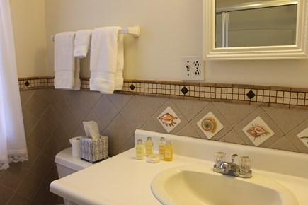 Vineyard Haven Martha's Vineyard vacation rental - Master Bathroom with Tub/Shower Combination