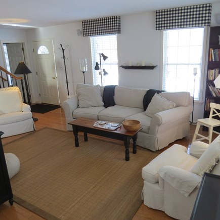 Vineyard Haven, Tisbury Martha's Vineyard vacation rental - Living room