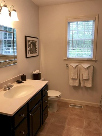 Vineyard Haven, Tisbury Martha's Vineyard vacation rental - First floor full bath