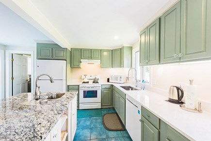 Oak Bluffs Martha's Vineyard vacation rental - Main kitchen