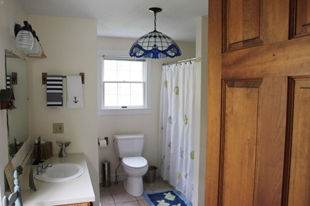 Edgartown Martha's Vineyard vacation rental - Main Floor Bathroom