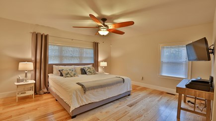 Oak Bluffs Martha's Vineyard vacation rental - 1st floor king master bedroom with en suite bathroom