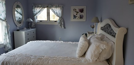 Edgartown Martha's Vineyard vacation rental - Lilac Bedroom With Fantastic Cathedral Ceiling.
