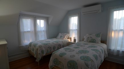 Oak Bluffs Martha's Vineyard vacation rental - 2nd fl Twins