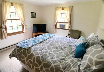 Vineyard Haven Martha's Vineyard vacation rental - Queen guest room