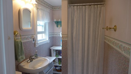 Oak Bluffs Martha's Vineyard vacation rental - 1st fl bathroom