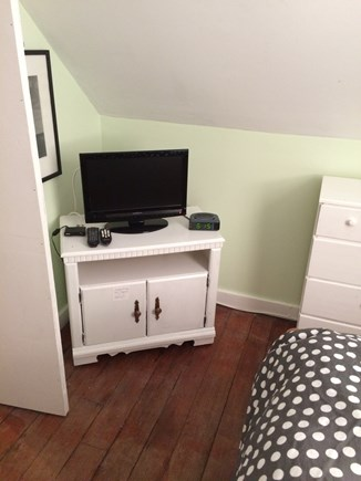 Oak Bluffs Martha's Vineyard vacation rental - Trundle bedroom flat screen TV with built in DVD & Comcast cable.