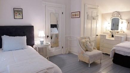 Oak Bluffs, Historic Copeland District/ In Martha's Vineyard vacation rental - Bedroom 2 - 2 twin beds