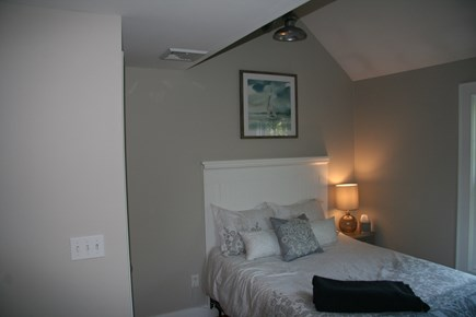 Edgartown Martha's Vineyard vacation rental - Cottage style bedroom with full bed