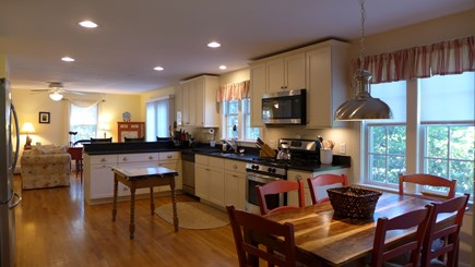 Edgartown Martha's Vineyard vacation rental - Country kitchen/dining/breakfast bar