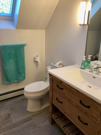 West Tisbury Martha's Vineyard vacation rental - Full Bathroom - Second floor