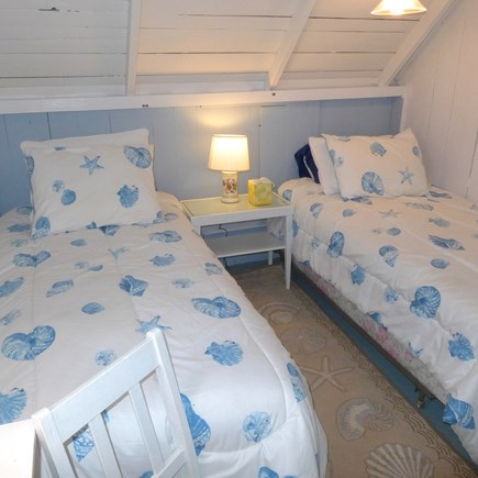 Oak Bluffs Martha's Vineyard vacation rental - Upstairs twin bedroom