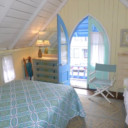 Oak Bluffs Martha's Vineyard vacation rental - Upstairs master with full and twin bed