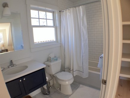 Vineyard Haven Martha's Vineyard vacation rental - Bath 2
