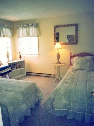 Edgartown-Chappaquiddick Martha's Vineyard vacation rental - Twin bedroom