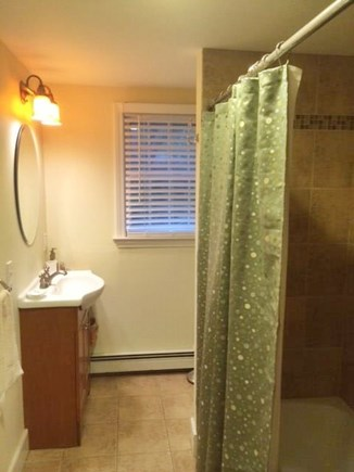 Oak Bluffs Martha's Vineyard vacation rental - First Floor Bathroom
