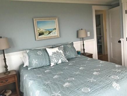 Aquinnah Martha's Vineyard vacation rental - Queen bedroom