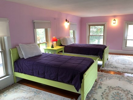 Oak Bluffs Martha's Vineyard vacation rental - Large twin bedroom upstairs