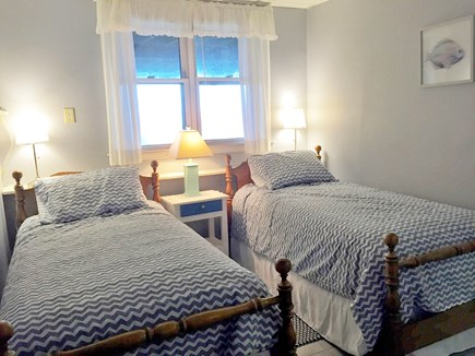 Oak Bluffs, East Chop Martha's Vineyard vacation rental - Twin Bedroom