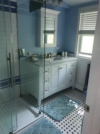 Oak Bluffs, East Chop Martha's Vineyard vacation rental - 2nd Flr Master Bath