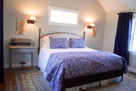 Oak Bluffs Martha's Vineyard vacation rental - King Size Master Bedroom