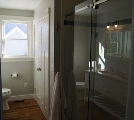 Oak Bluffs Martha's Vineyard vacation rental - Five Foot Walk in Shower