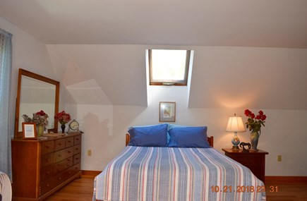 West Tisbury Martha's Vineyard vacation rental - Queen bedrm-2nd floor-very spacious, with skylight & sitting area
