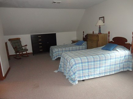 Edgartown  Martha's Vineyard vacation rental - Upstairs bedroom with 2 twin beds and sofa 2